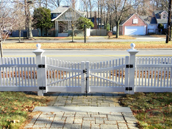 Custom Complete Scallop Curved Rail Gate W Cellular Vinyl Posts